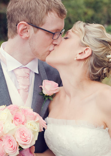 Fresh Countryside Pink + Green Wedding + A Stunning Bride ~ UK Wedding Blog ~ Whimsical Wonderland Weddings